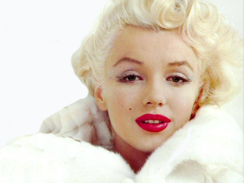 Marilyn Monroe plastic surgery notes, X-rays up for auction