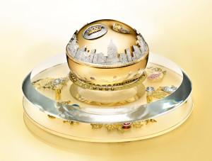1_DKNY_Golden_Delicious_Million_Dollar_Fragrance_Bottle_DM