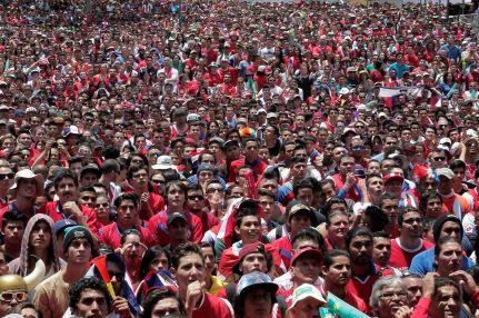 Presidente y aficionados invaden calles de Costa Rica tras histórico triunfo ante Italia